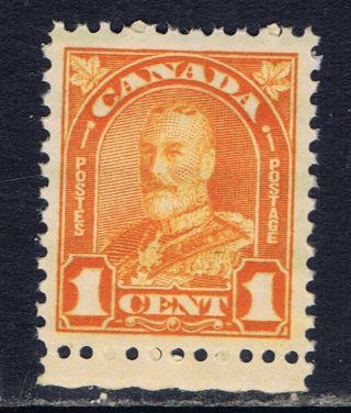 Canada 162 (11) 1928 1 Cent Orange George V Arch Leaf Cv$4.  00 photo