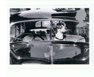 Dog At Car Window Image 2001 Self - Adhesive British Stamp - Nh - Rare photo