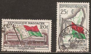 1959 Madagascar,  Malagasy: Scott 303 - 304 (2) Proclamation Of The Republic - photo