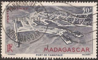 1946 Madagascar,  Malagasy: Scott C51 - Air Mail (50 Fr - Map) - photo