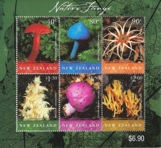 Nz 6 Mar 02 Native Fungi Miniature Sheet Muh photo