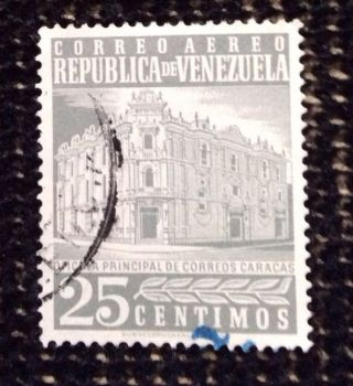 Venezuela 25 Centimos Officina Principal De Correo Airmail Stamp photo