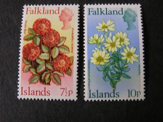 Falkland Is.  Scott 219/220 (2).  71/2p Value 1972 Flowers With Currency photo