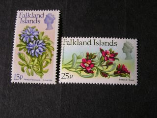 Falkland Is.  Scott 221/222 (2).  15+25p.  Value 1972 Flowers With Currency photo