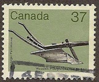 Canada Scott 927,  Wooden Plough,  1982 - 1987 photo