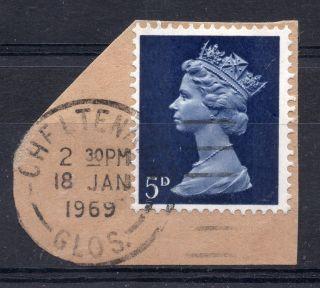 Gb = Postmark - Qe2,  `cheltenham / Glos.  ` Machine Cancel.  1969.  5d Machin. photo