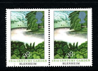 N457 Gb 1983 Sg1225 (pair) 28p Blenheim 18th Century Garden photo