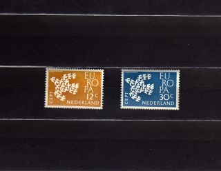 Netherlands 387 - 88 Europa Cept 1961 19 Doves Flying As One photo