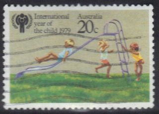 Australia Stamp Scott 712 Stamp See Photo photo